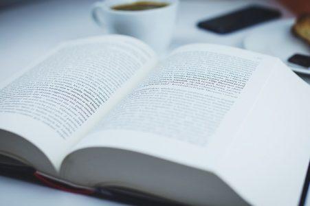 book-2616648_640